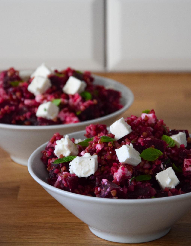 salatka-z-kaszy-gryczanej-i-buraka