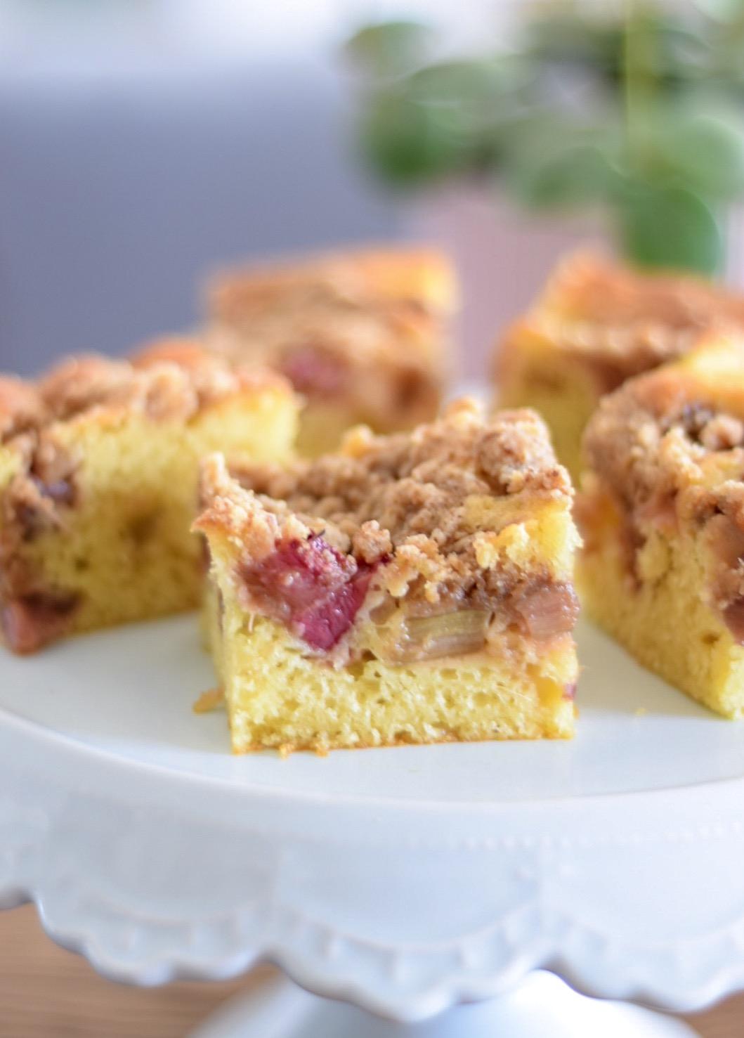 Ciasto Jogurtowe Z Rabarbarem I Kruszonka Healthy Tastes Good By Lila