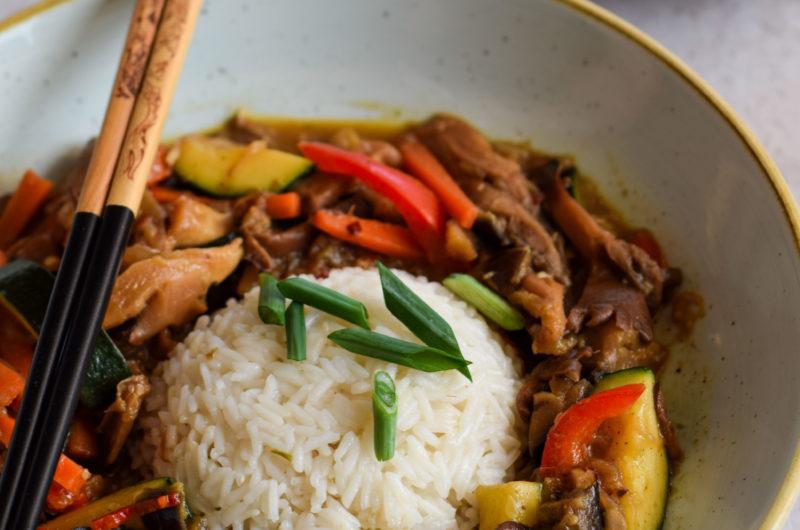 Boczniaki, bakłażan i cukinia w tajskim stylu